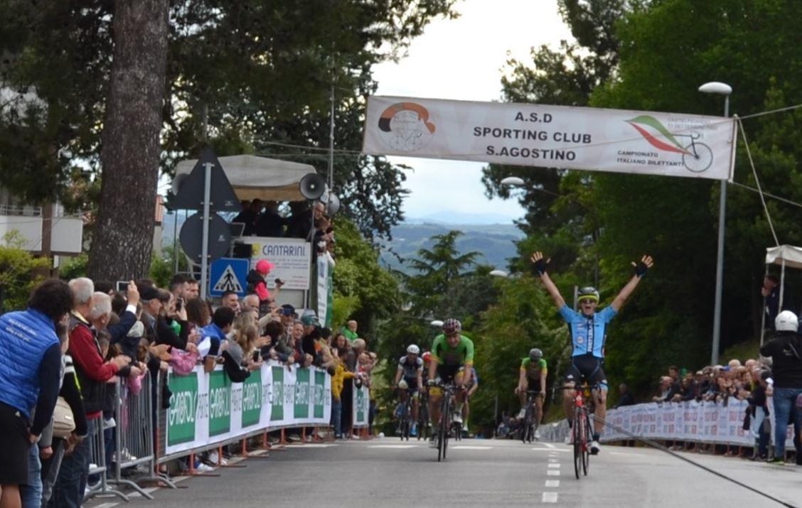 Michele Corradini vince il Gran Premio Santa Rita