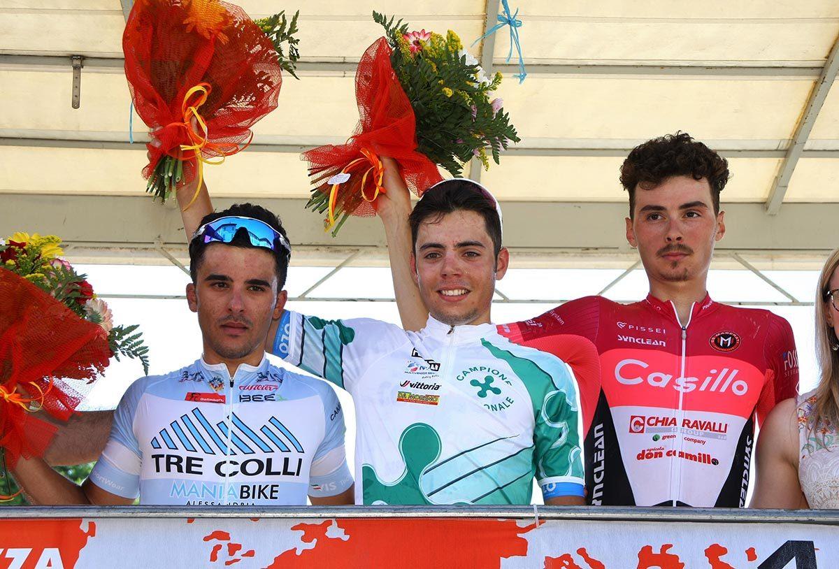 Il podio di Barzago con Luca Colnaghi campione lombardo Under 23 (foto Berry)