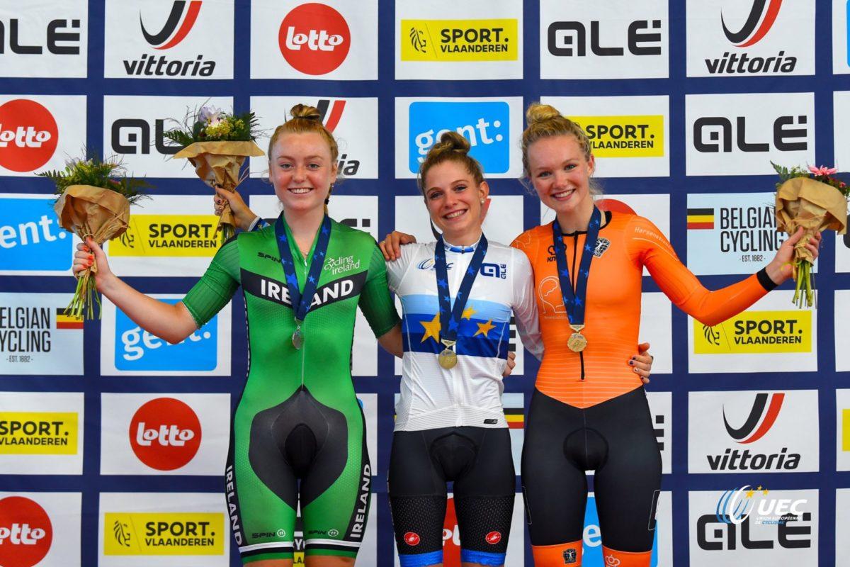 Il podio del Campionato Euroepo Corsa a punti Donne Junior vinto da Matilde Vitillo (foto UEC/BettiniPhoto)