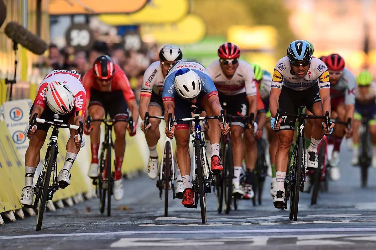L'ultima volata del Tour de France 2019 vinta da Caleb Ewan a Parigi (foto ASO)