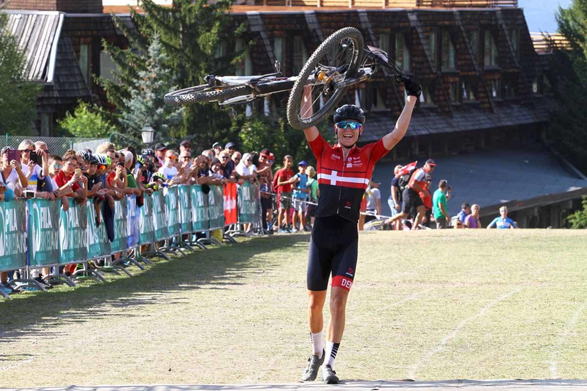 Il danese Gustav Heby Pedersen vince la prova XCO U17