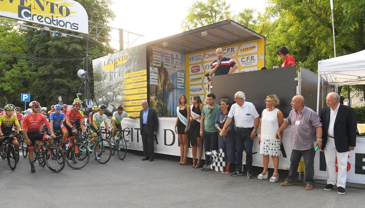 La partenza del 56° Trofeo Città di Brescia (foto Rodella)