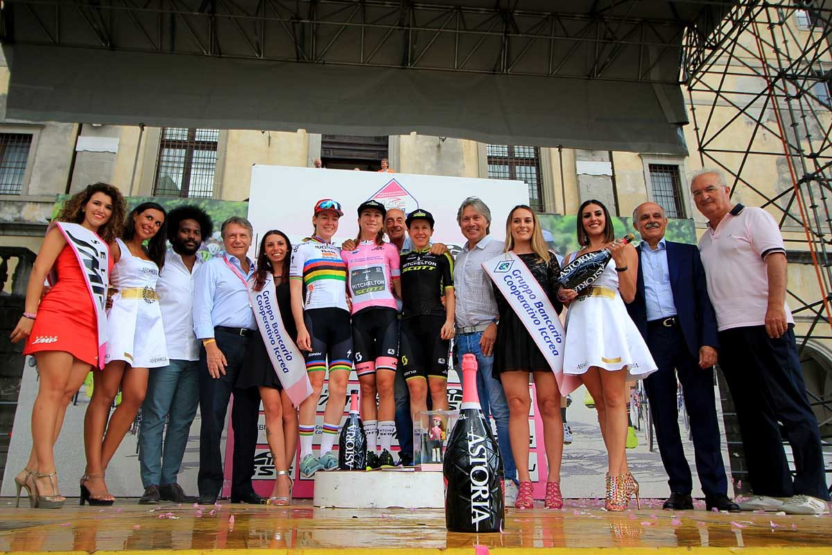 Il podio finale del Giro Rosa 2019 (foto F. Ossola)