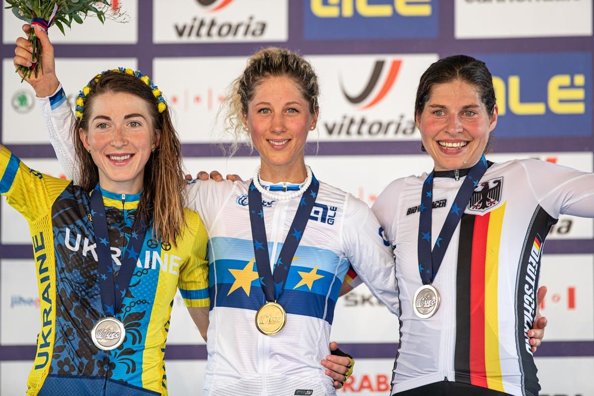 Podio Donne Elite Europeo XCO (foto Michele Mondini)