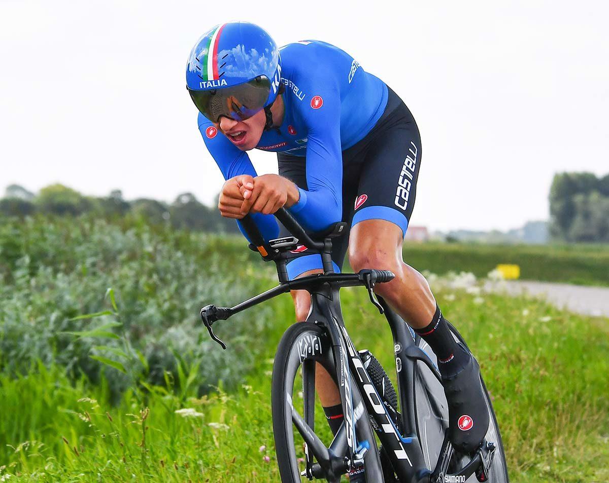 Andrea Piccolo vince il Il podio del Campionato Europeo a cronometro Juniores 2019 (foto Rodella)