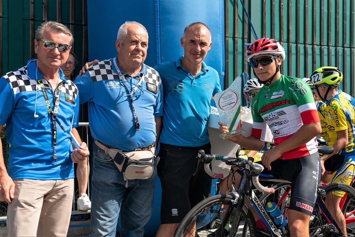 Il campione italiano Esordienti 1° anno Franco Cazzarò premiato dagli organizzatori (foto Nicola Grilli)