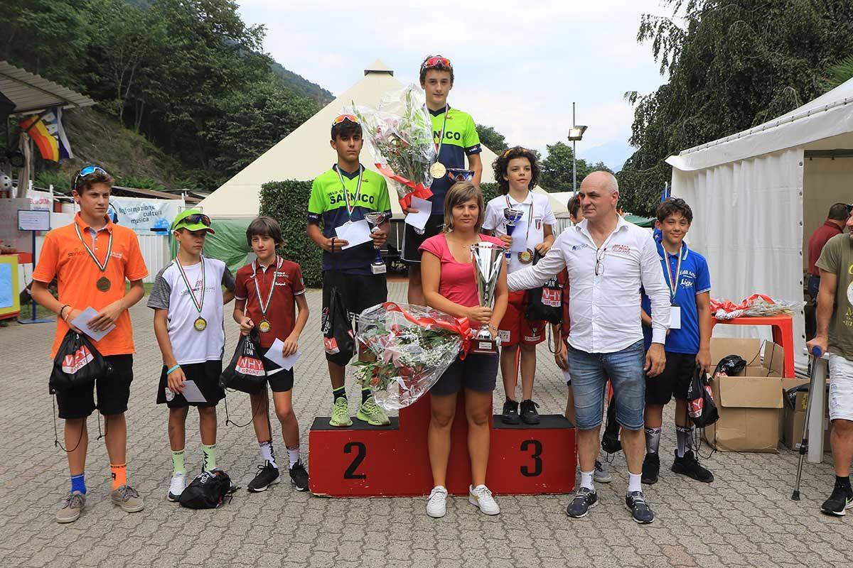 La premiazione degli Esordienti 1° anno a Villadossola (foto Fabiano Ghilardi)