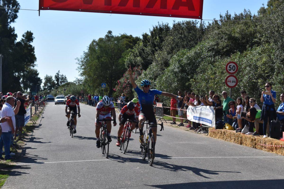 Nello Basso vince lo sprint di Serramanna