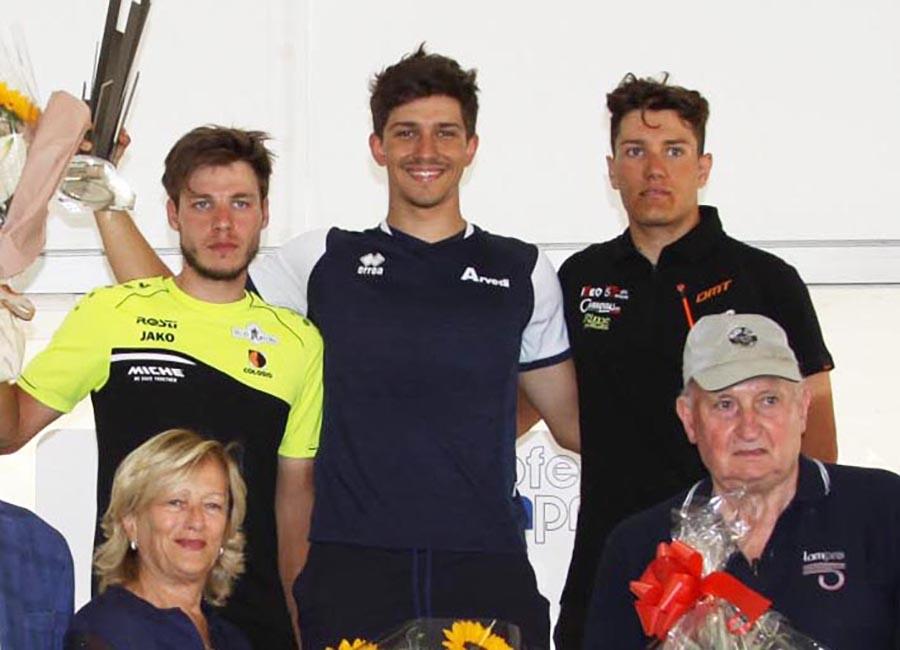 Il podio del Trofeo Lampre di Bernareggio (foto Rodella)