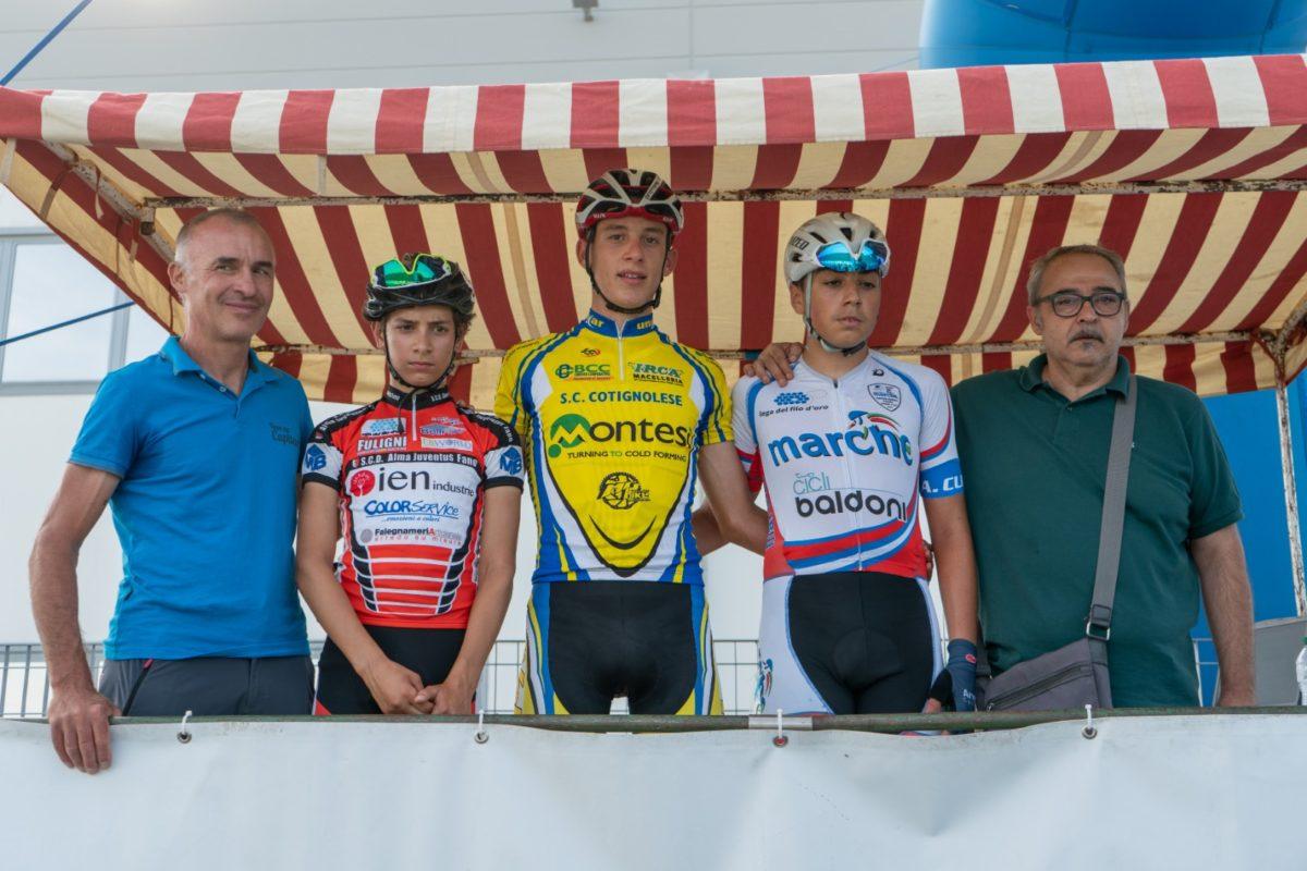 Il podio della gara Esordienti 2° anno di Santarcangelo di Romagna (foto Nicola Grilli)