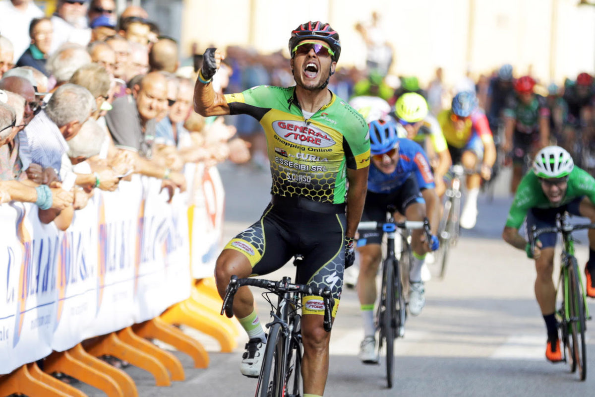 Francesco Di Felice vince a Sommacampagna (foto Scanferla)