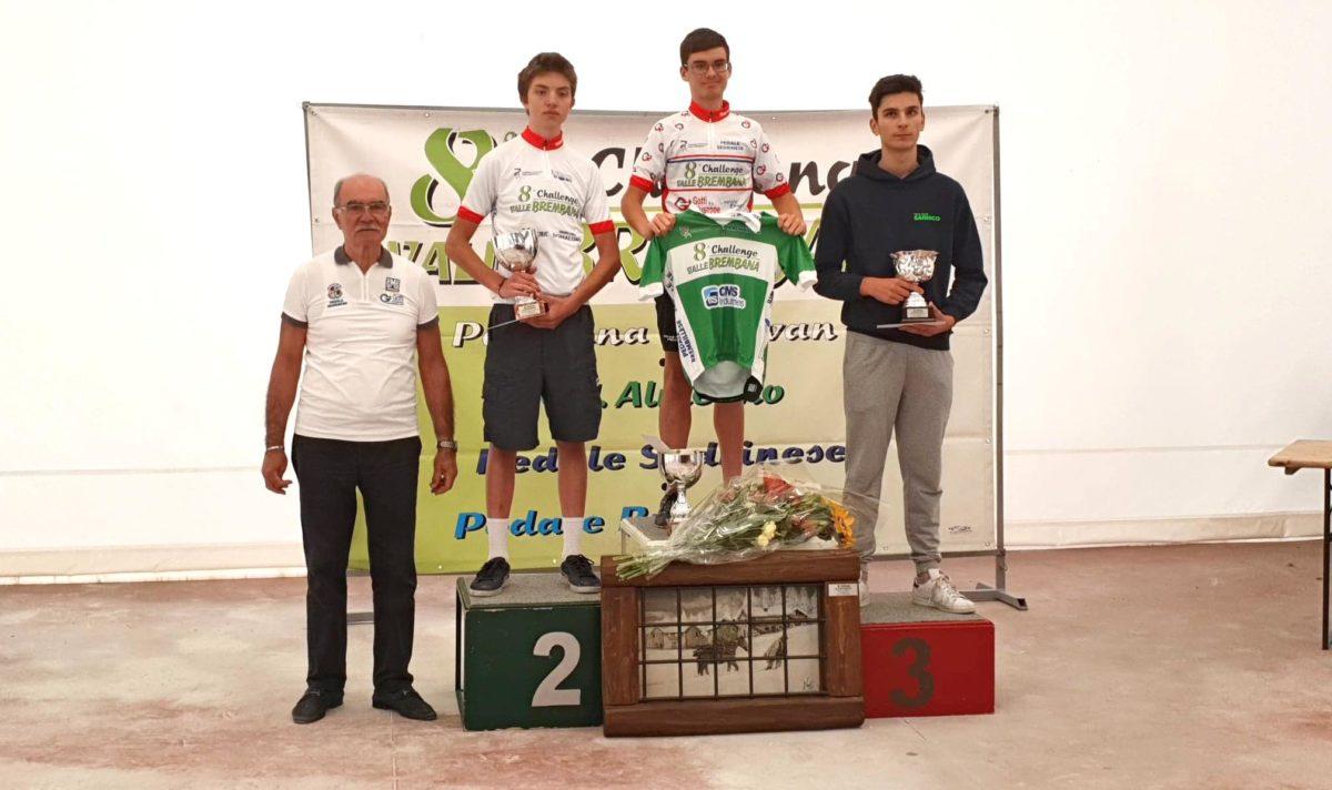 Il podio finale e le maglie della Challenge Valle Brembana 2019