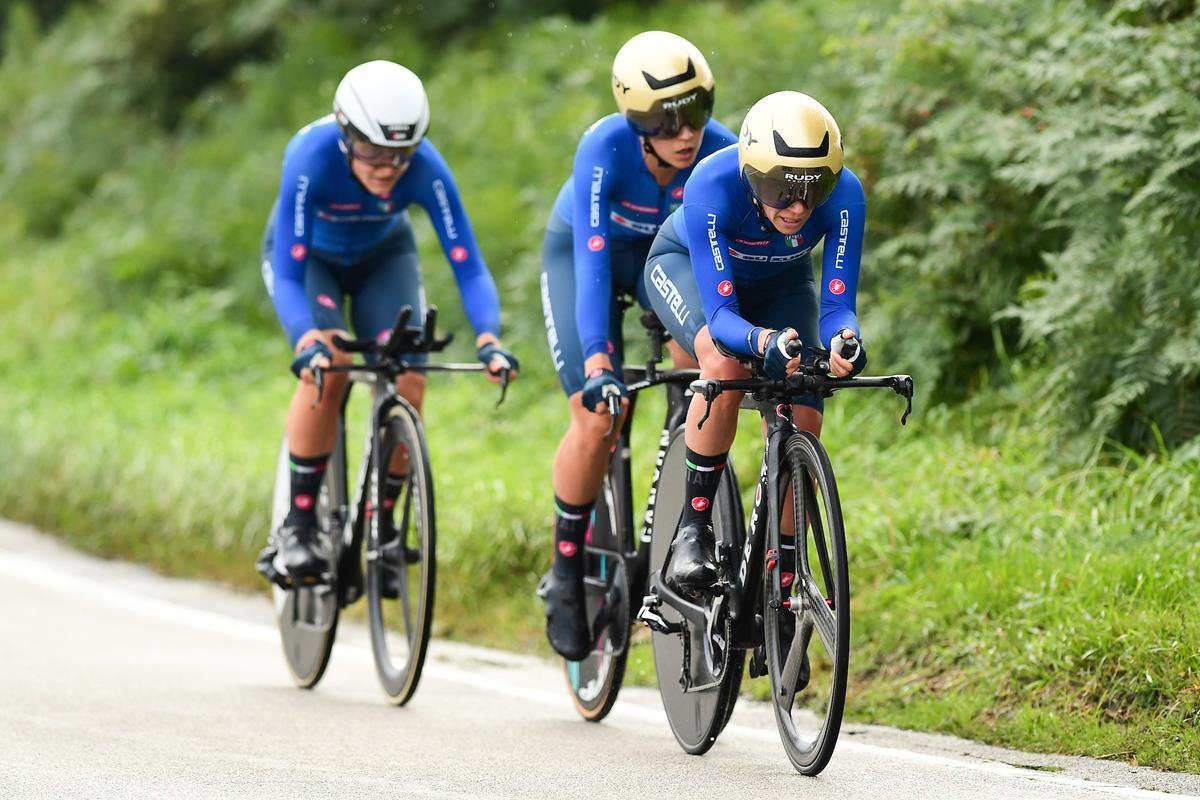 Le ragazze azzurre in azione (foto SWPix.com)
