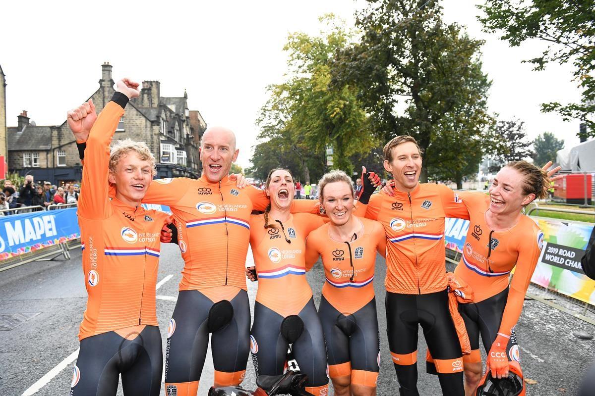 La festa dell'Olanda ad Harrogate (foto SWPix.com)