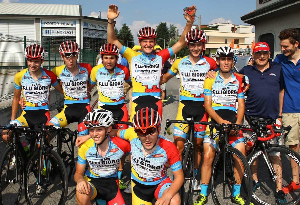 Festa del Team Giorgi a Cabiate per la vittoria di Alessandro Sala
