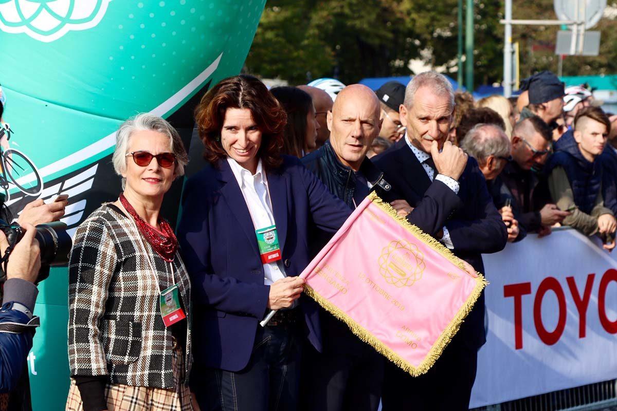 Norma Gimondi ha dato il via a Il Lombardia 2019 (foto Photobicicailotto)
