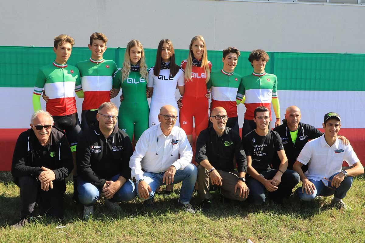 Festa del Team LVF al Campionato Italiano Cronosquadre Juniores (foto Fabiano Ghilardi)