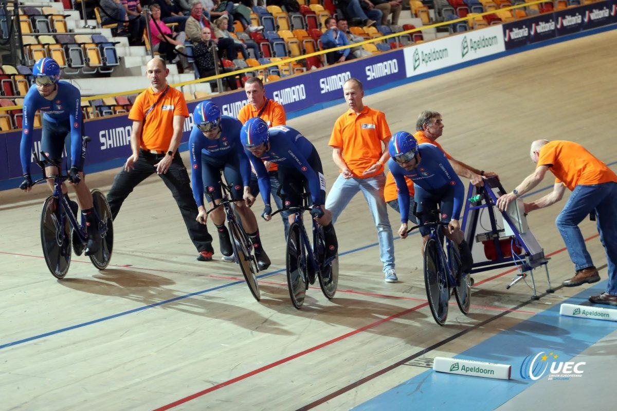 Il quartetto azzurro maschile in finale per l'oro (foto UEC/BettiniPhoto)