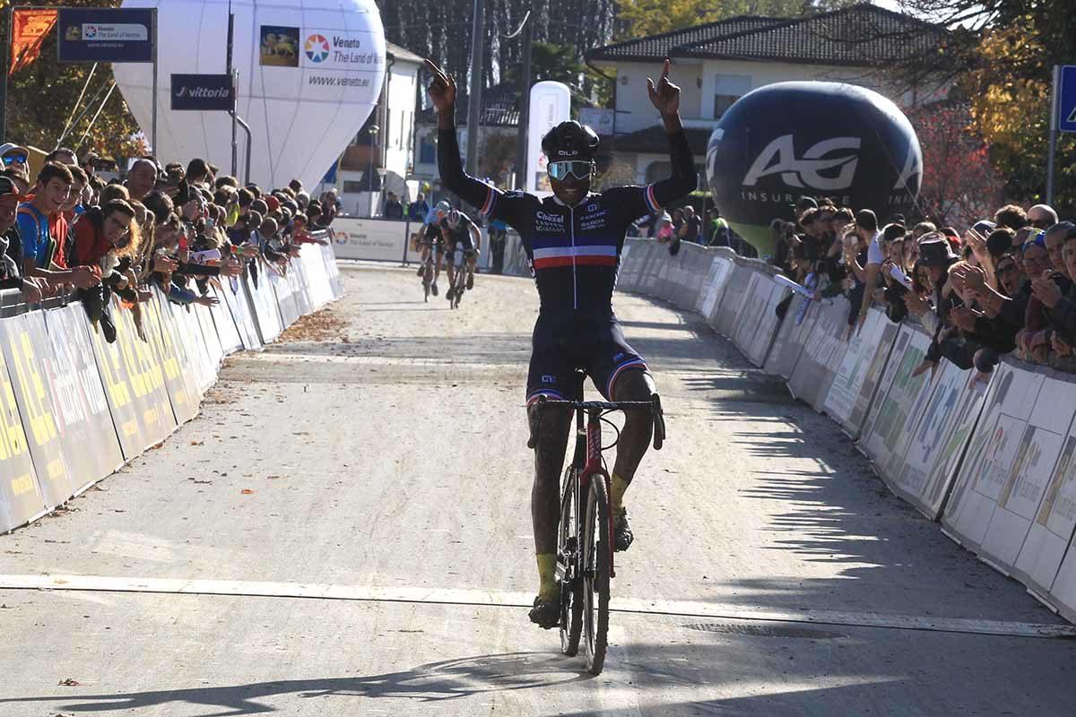 Mickael Crispin vince il Campionato Europeo Ciclocross Under 23 a Silvelle (foto Fabiano Ghilardi)