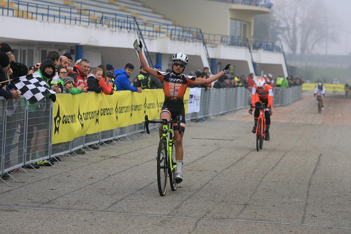 Simone Vari vince la gara Allievi 1° anno del Gp Guerciotti (foto Fabiano Ghilardi)