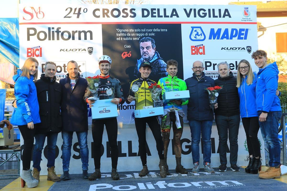 Il podio Open di Lurago d'Erba (foto Fabiano Ghilardi)