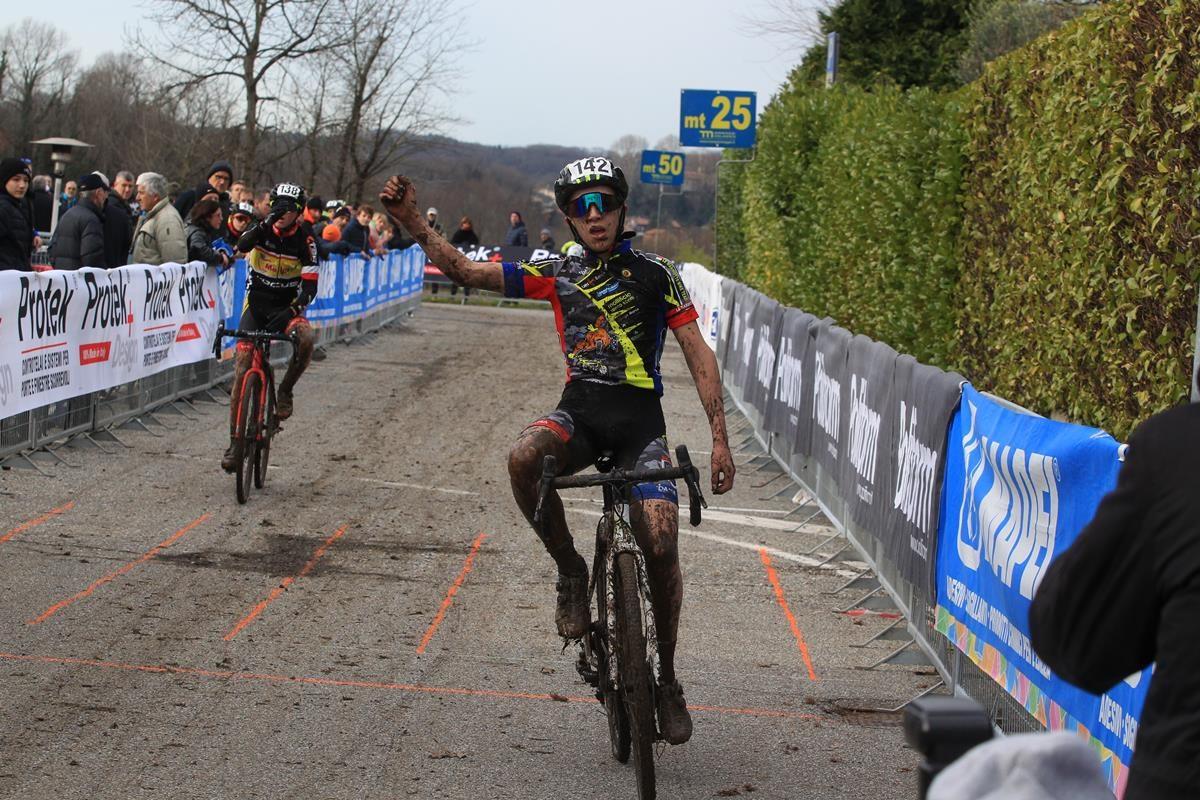 Achille Pozzi vince a Lurago d'Erba (foto Fabiano Ghilardi)