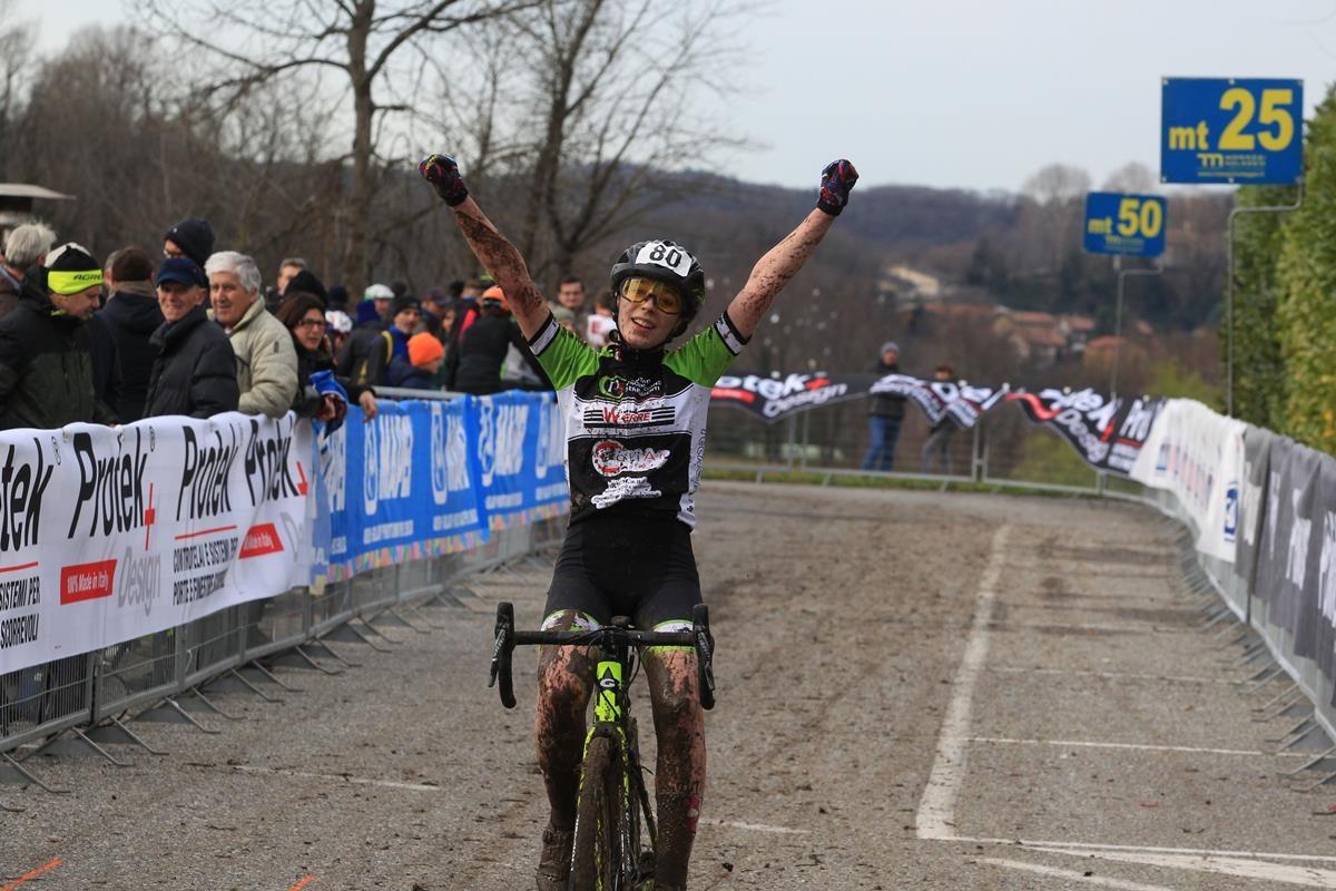 Camilla Bezzone vince a Lurago d'Erba (foto Fabiano Ghilardi)