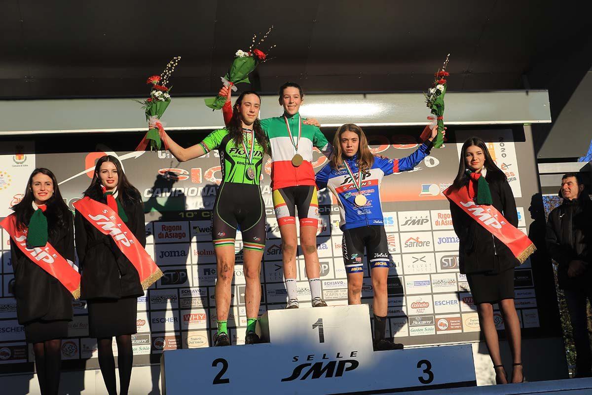 Il podio del Campionato Italiano di Ciclocross Donne Allieve 1° anno vinto da Valentina Corvi (foto Fabiano Ghilardi)