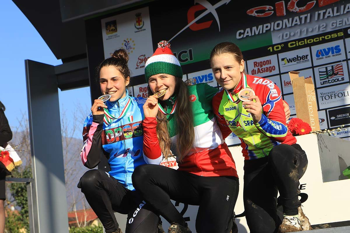 Il podio del Campionato Italiano di Ciclocross Donne Under 23 vinto da Francesca Baroni (foto Fabiano Ghilardi)