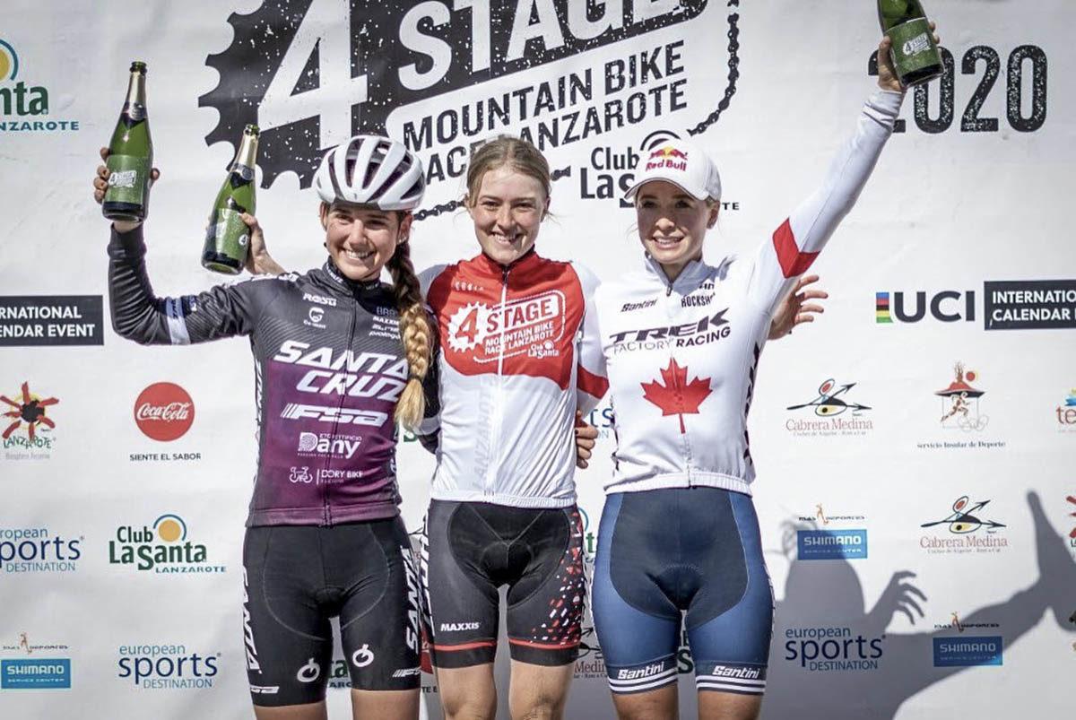 Il podio finale femminile della 4Stage MTB Race Lanzarote 2020