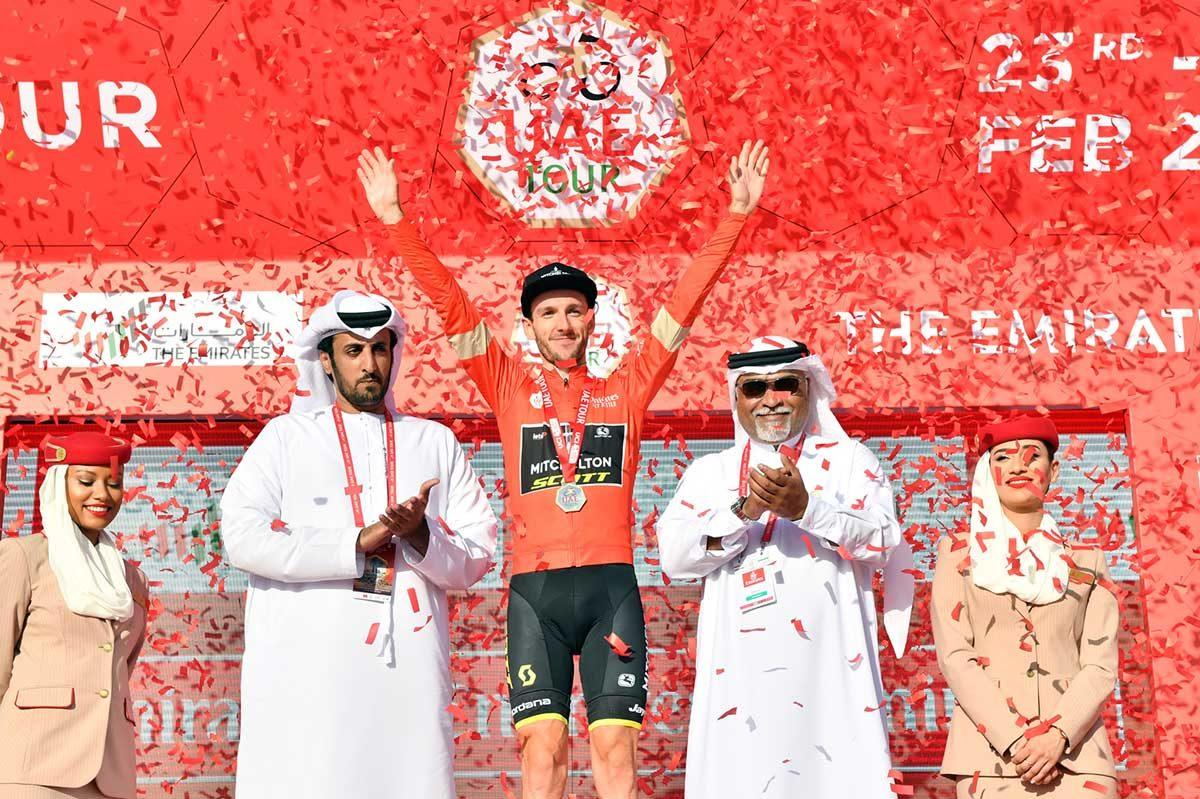 Adam Yates nuovo leader dopo la terza tappa dell'UAE Tour 2020 (foto LaPresse)
