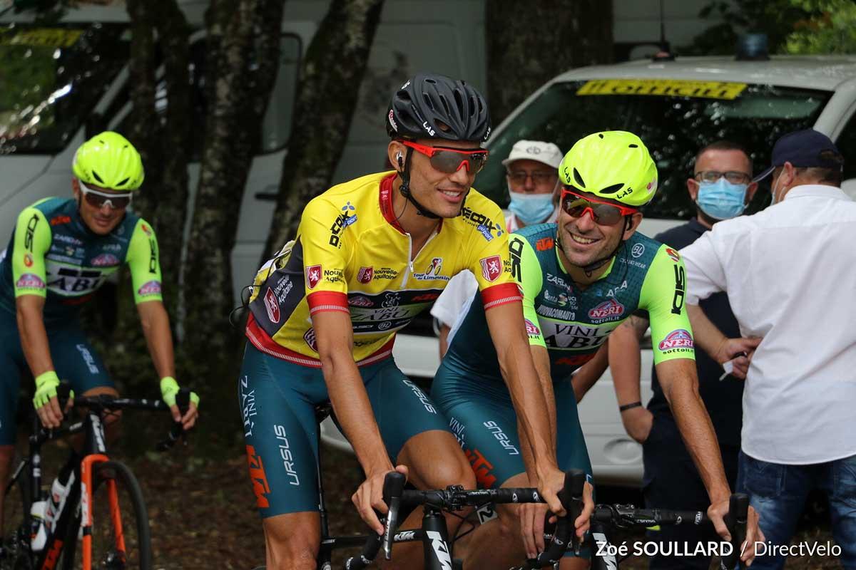 Luca Wackermann con la maglia di leader del Tour de Limousin 2020 (foto Zoe Soullard)
