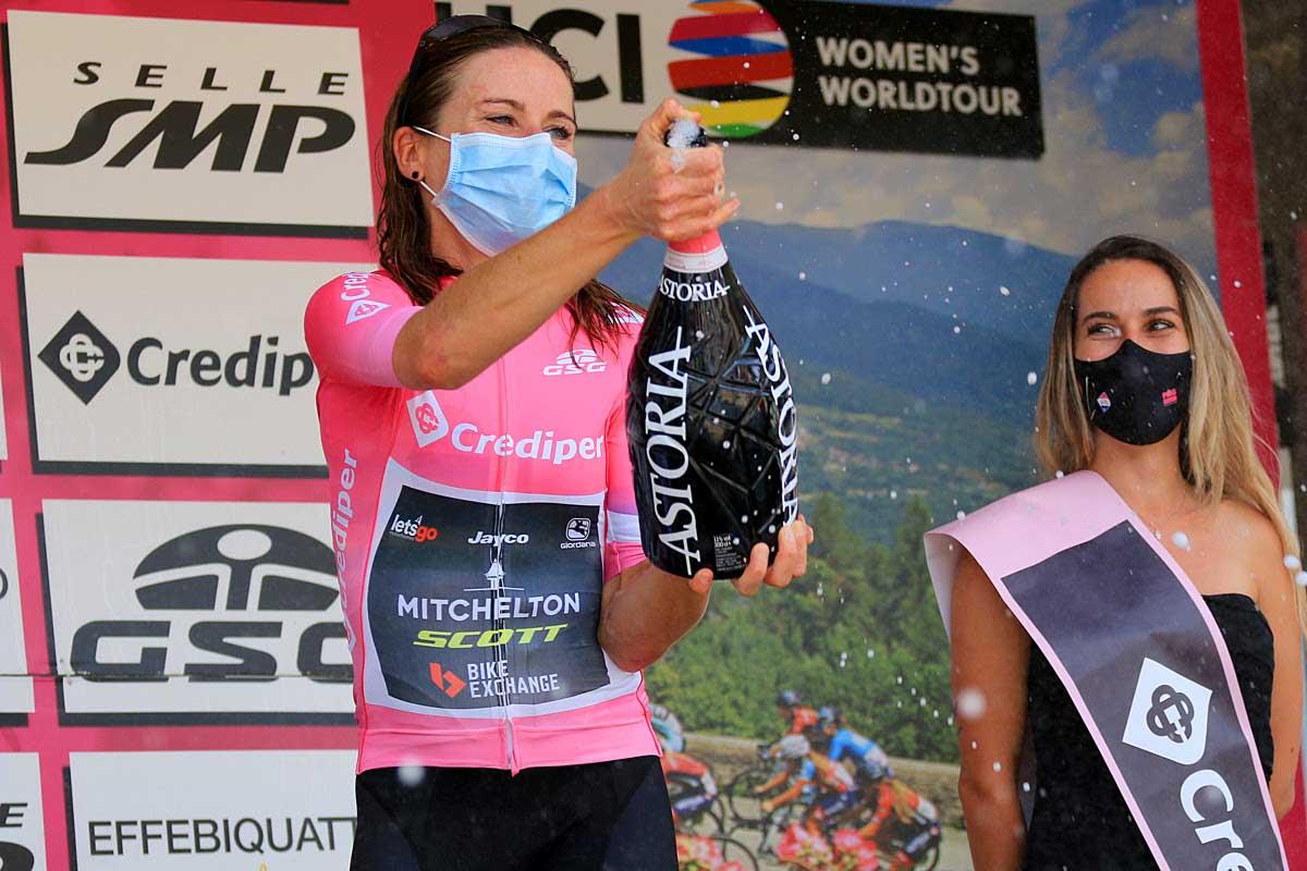 Annemiek Van Vleuten maglia rosa anche dopo la sesta tappa del Giro Rosa 2020 (foto F. Ossola)