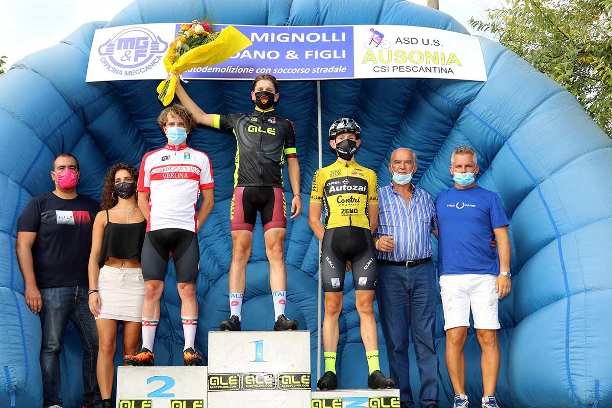 Il podio di Montecchio di Negrar (foto Photobicicailotto)