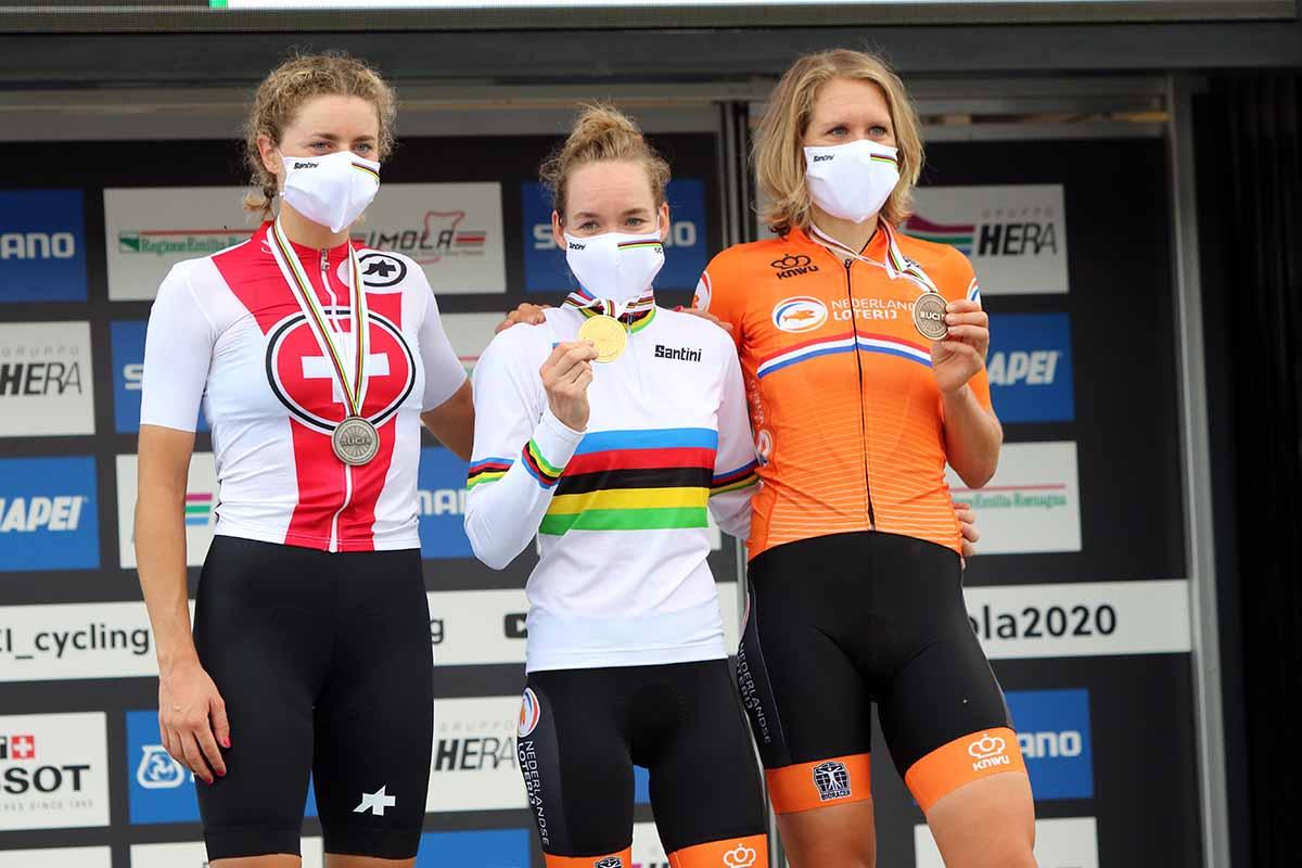 Il podio del Campionat del mondo a cronometro Donne Elite a Imola 2020 (foto Photobicicailotto)