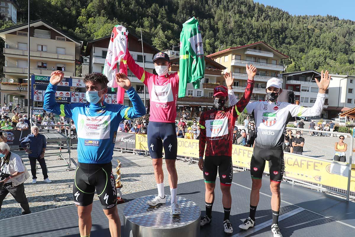 Le maglie del Giro d'Italia Under 23 2020 (foto Isolapress - Marco Isola/Massimo Fulgenzi)