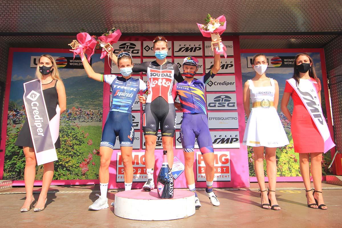 Il podio della settima tappa del Giro Rosa (foto F. Ossola)