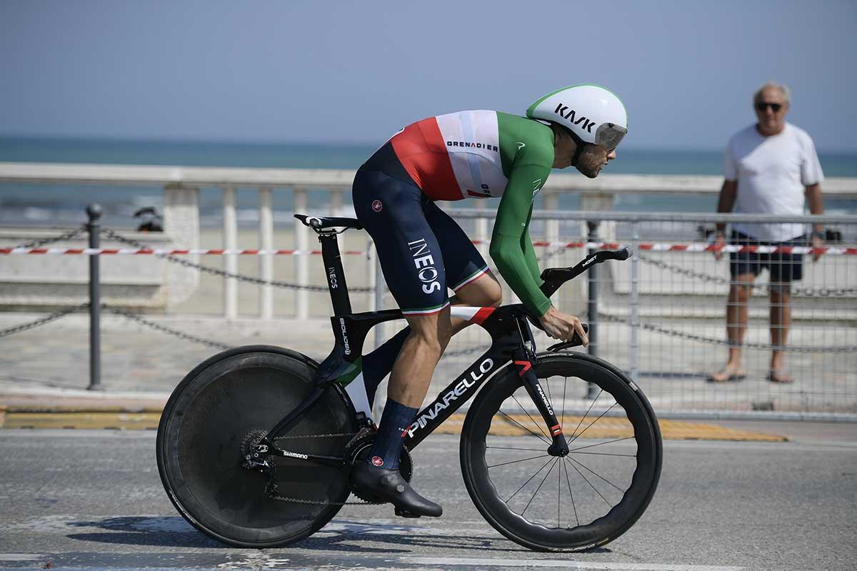Filippo Ganna vincitore dell'ultima cronometro della Tirreno-Adriatico 2020 a San Benedetto del Tronto (foto LaPresse)