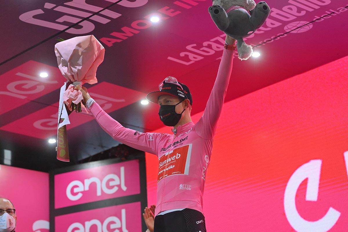 Wilco Kerderman resta maglia rosa al Giro d'Italia 2020 (foto LaPresse)