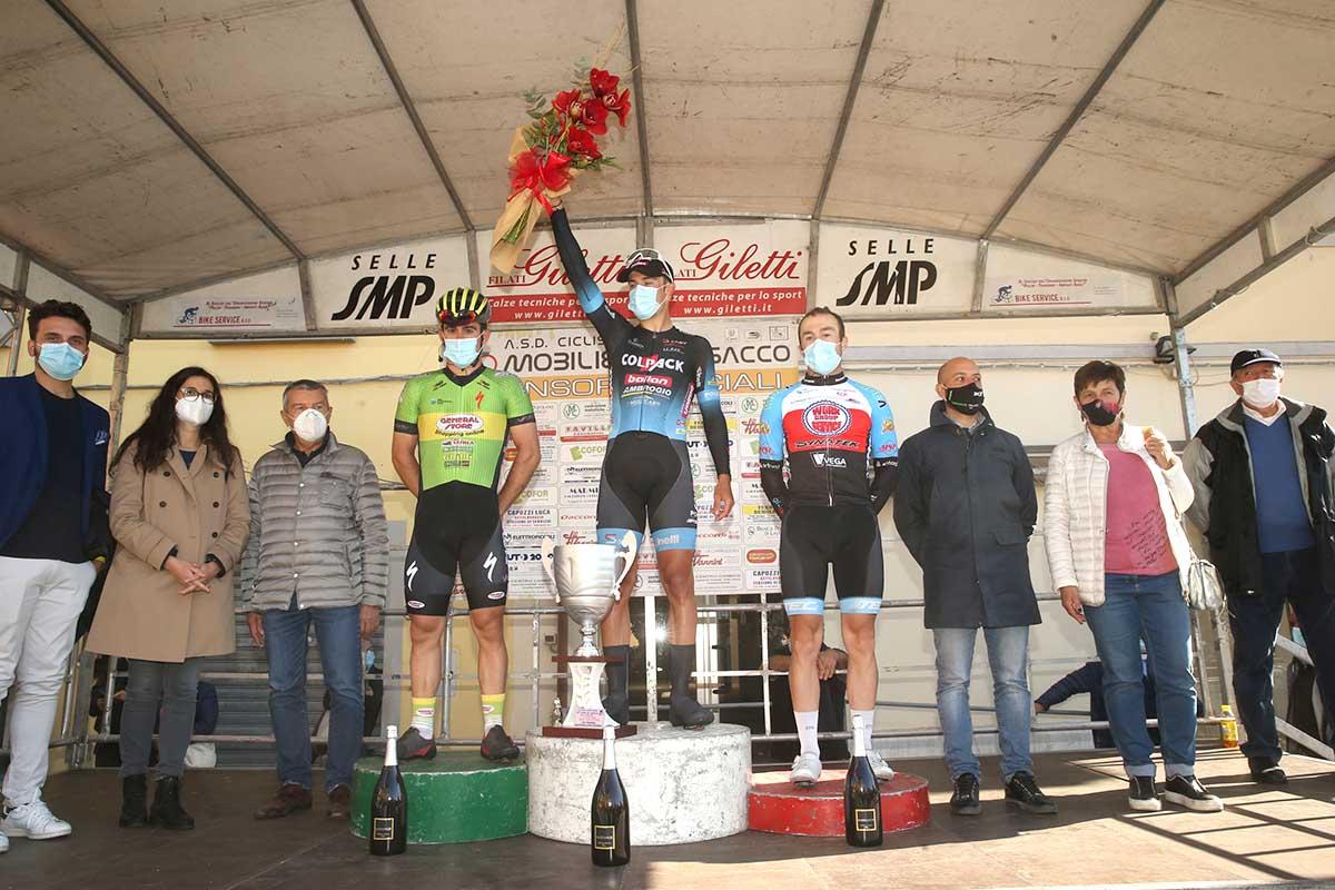 Il podio della Coppa del Mobilio 2020 vinta da Michele Gazzoli (foto Soncini)