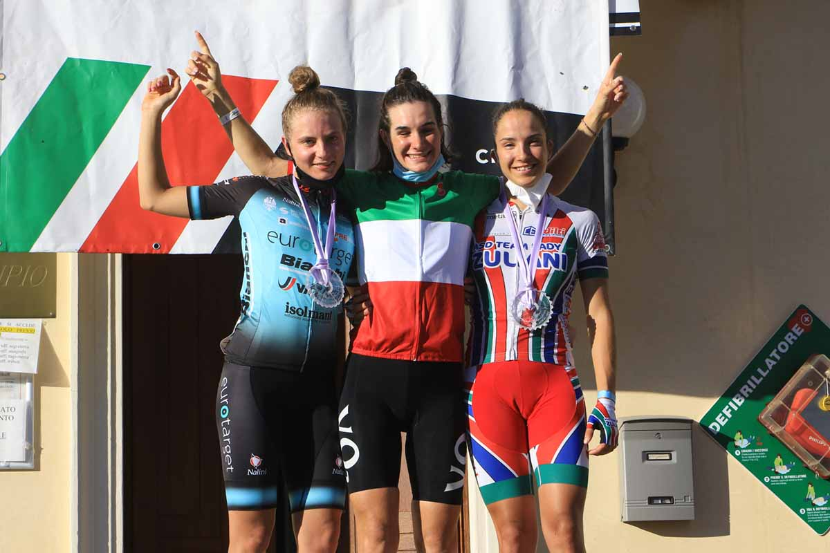 Il podio del Campionato Italiano strada Donne Junior 2020 a Sarcedo (foto Fabiano Ghilardi)