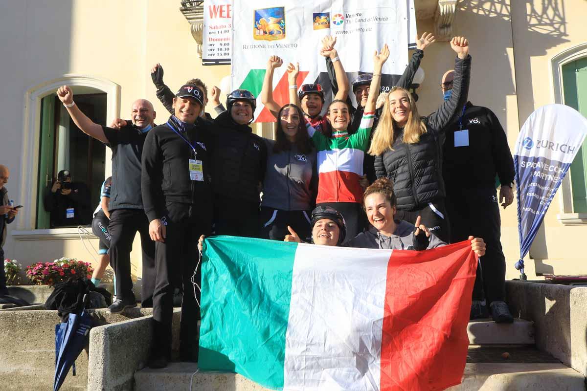 VO2 Team Pink festeggia la vittoria del Campionato Italiano strada Donne Junior 2020 a Sarcedo (foto Fabiano Ghilardi)