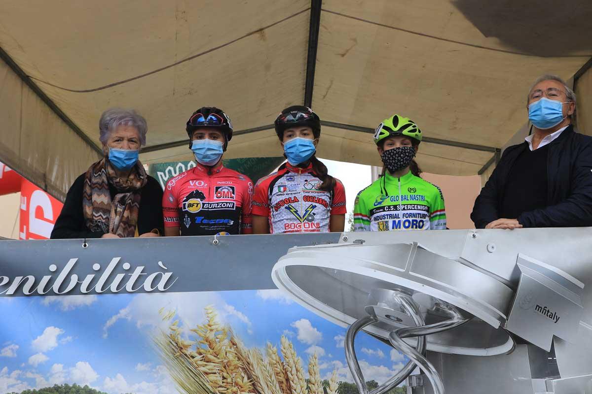Il podio della gara Donne Esordienti di Sarcedo
