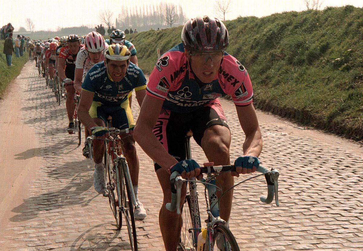 Fabrizio Bontempi da professionista alla ruota di Maurizio Fondriest al Giro delle Fiandre