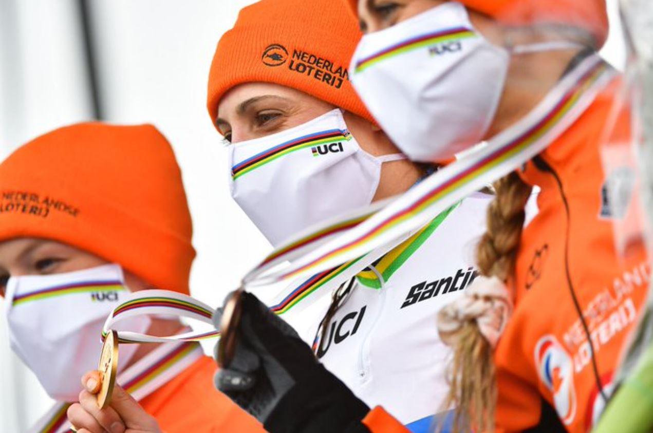 Lucinda Brand campionessa del mondo ciclocross Donne Elite 2021 ad Ostenda (foto UCI)