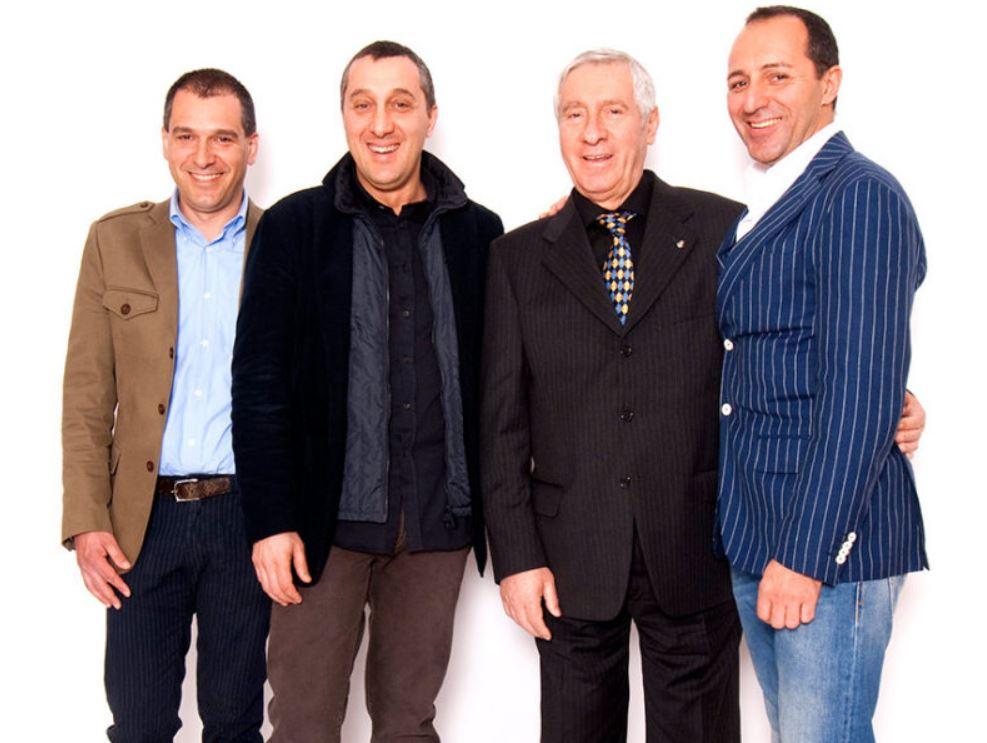 Cordiano Dagnoni con il padre Mario e i suoi fratelli