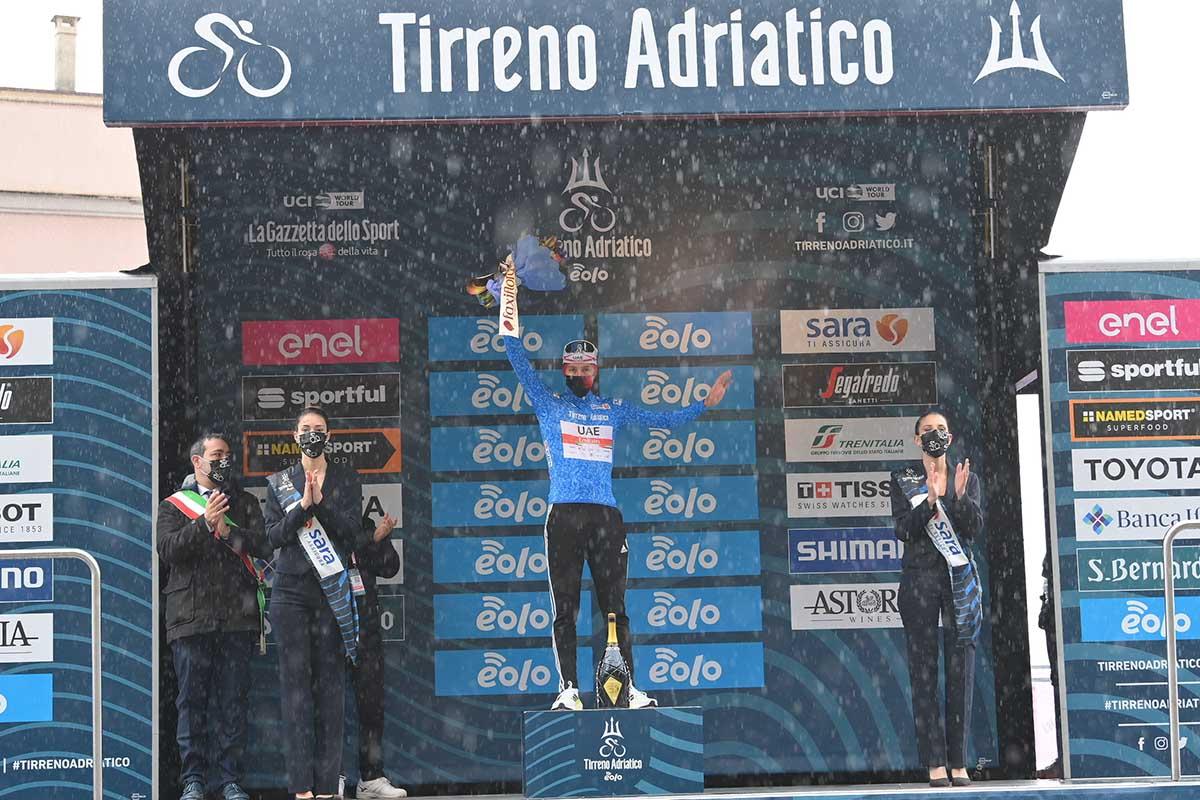 Tadej Pogacar resta leader della Tirreno-Adriatico 2021 (foto LaPresse)
