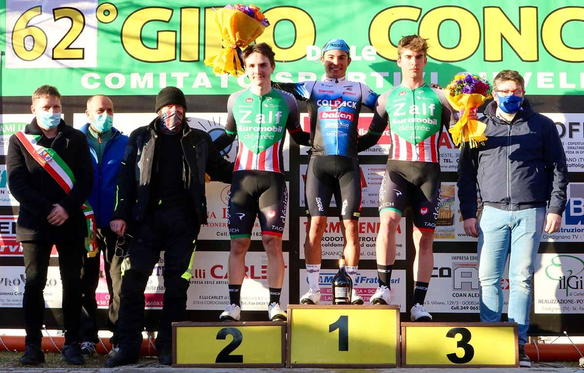 Il podio del Gran Premio di Primavera di Silvella (foto Photobicicailotto)