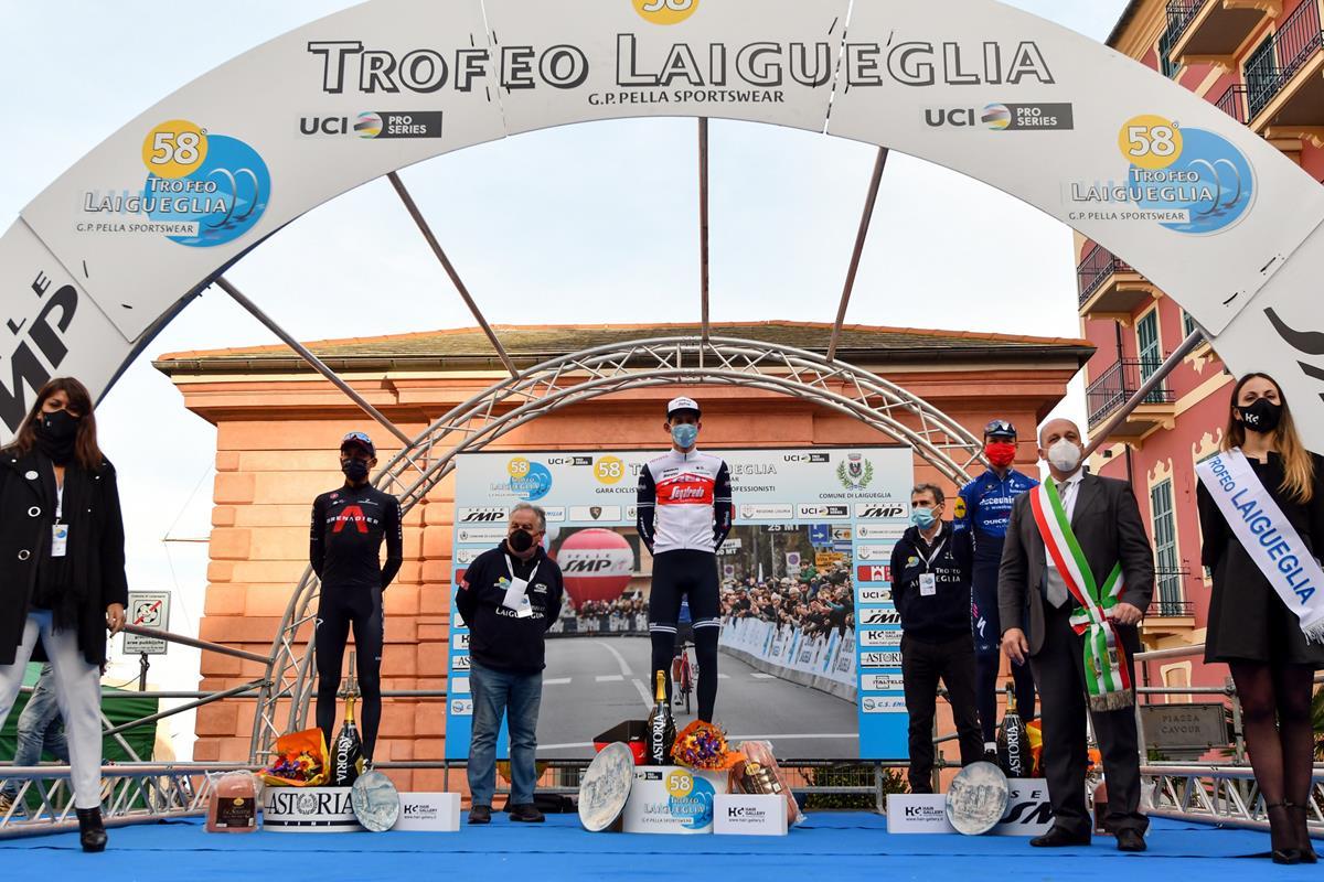 Il podio del Trofeo Laigueglia 2021 (foto BettiniPhoto)