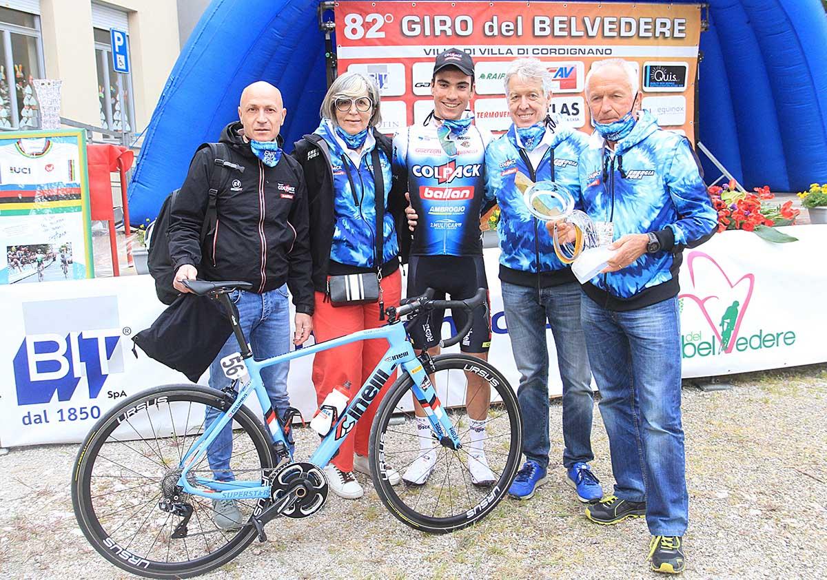 Festa del Team Colpack con Ayuso al Giro del Belvedere 2021 (foto Rodella)